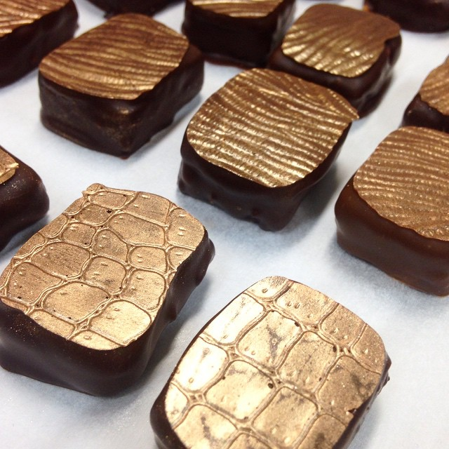 Gold patterns...in chocolate..