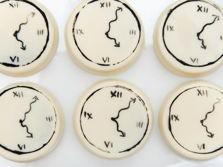 clock face chocolate covered oreos alice in wonderland by velvetier brisbane chocolatier