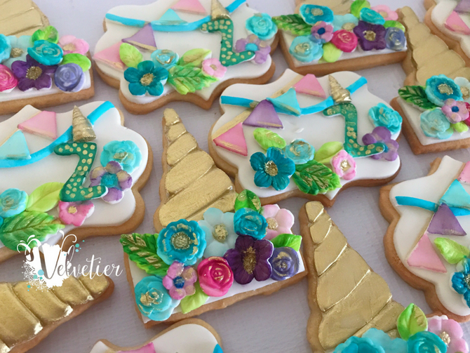 Think outside the box and try mixed media cookie decorating