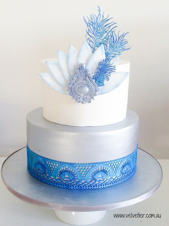 Silver and blue art deco Gatsby feather cake Velvetier Brisbane