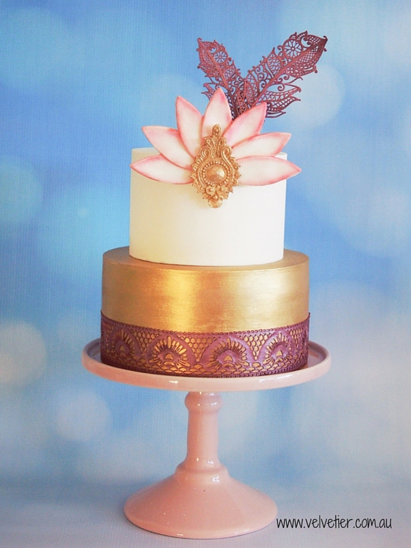 Gold and Marsala plum art deco Gatsby feather cake Velvetier Brisbane