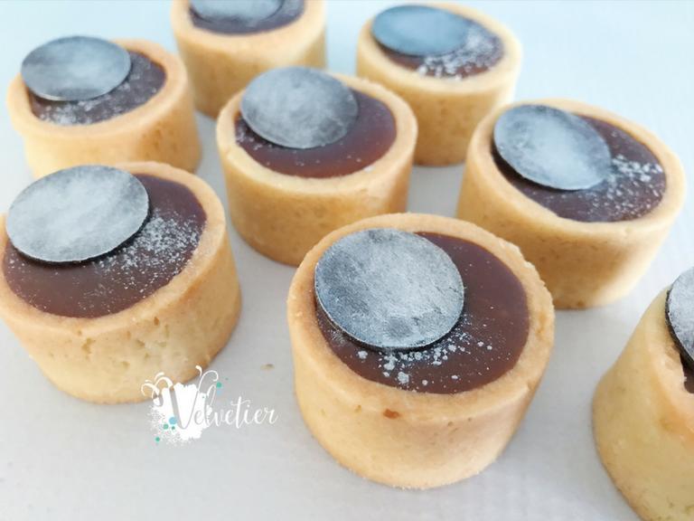 Salted caramel petite tart with silver garnish by velvetier brisbane 3