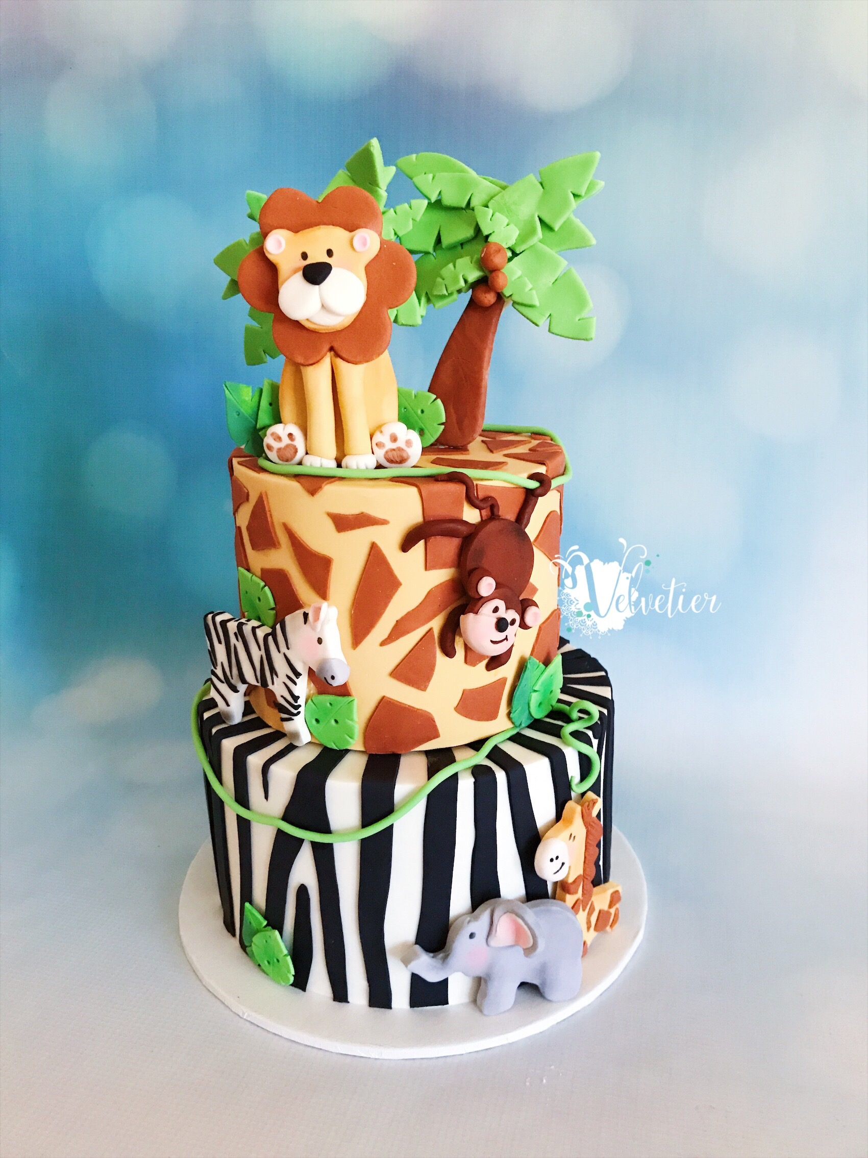 Jungle cake with animals by Velvetier Brisbane