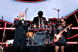 H.E.R. performing with Sting