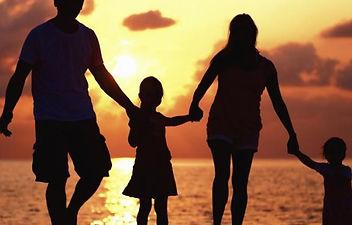 Preciosos-ensinamentos-à-família.jpg