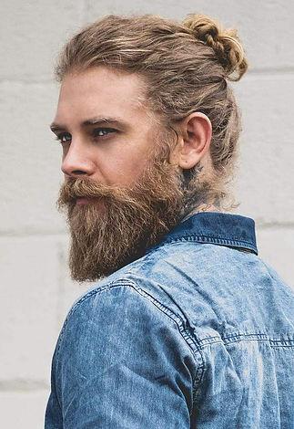 homme-look-moderne-cheveux-longs.jpg