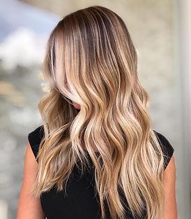 honey-blonde-highlights-kinzandco.jpg