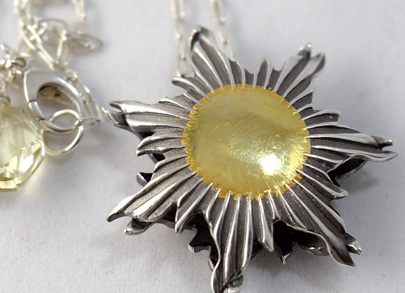 Sunnyside of life pendant