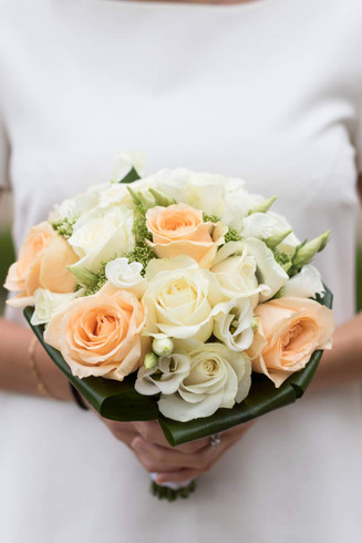 Bouquet de mariée pêche et blanc
