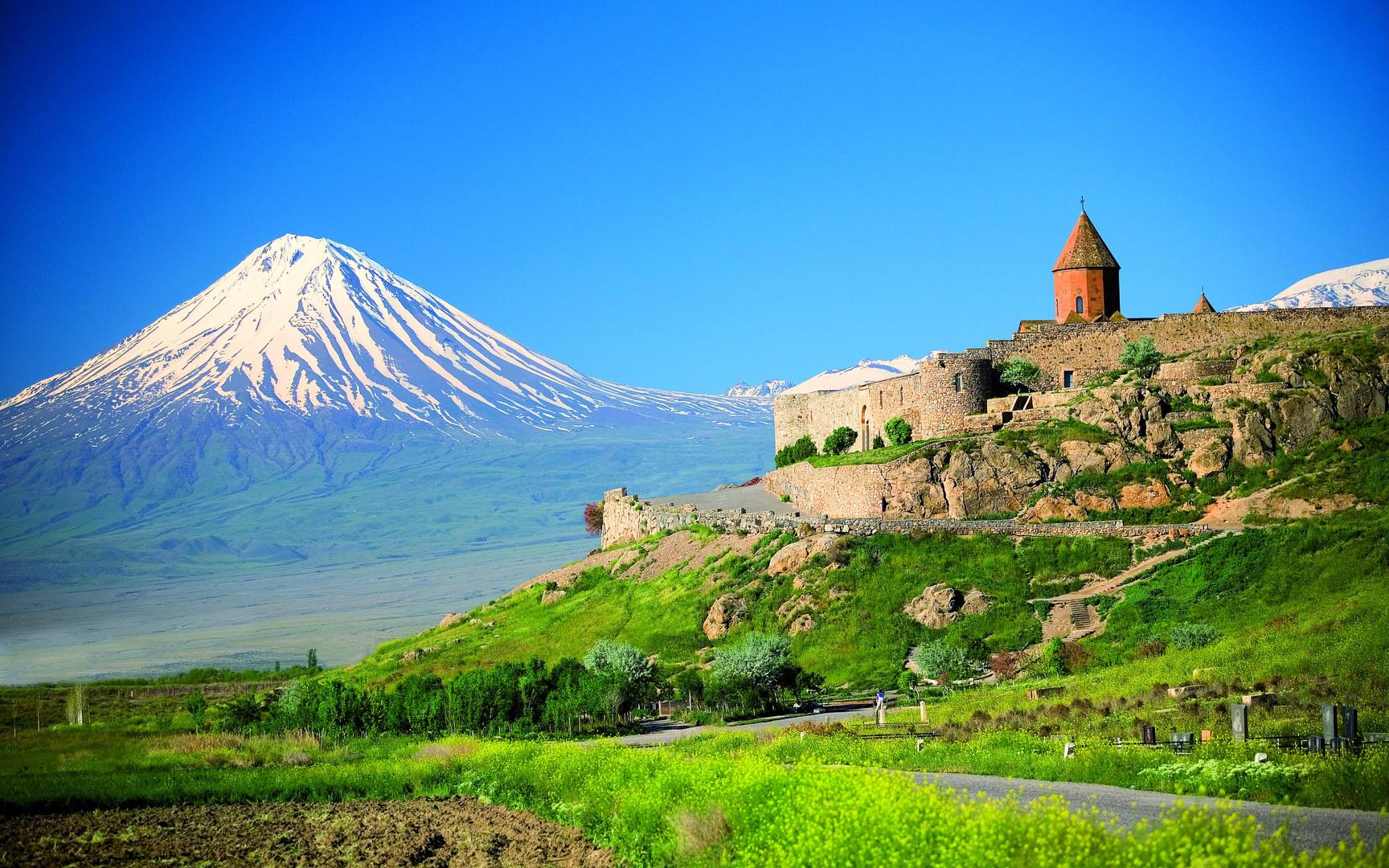 Церковь Хор Вирап и Арарат