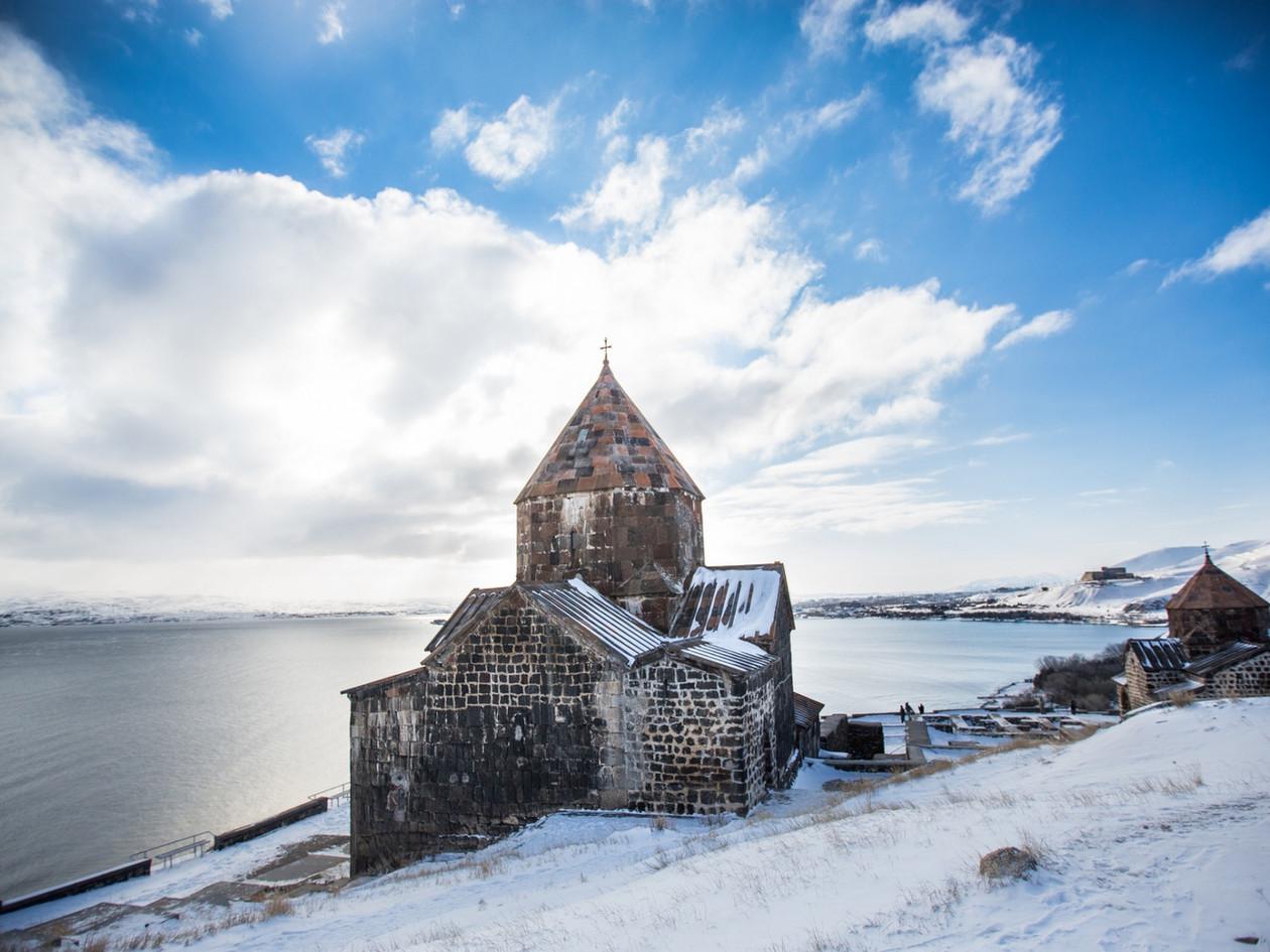 Озеро Севан и монастырь