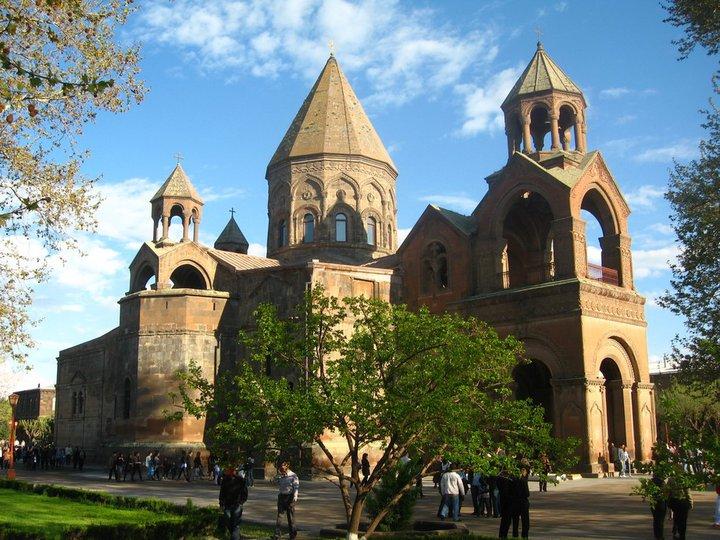 Первопристольный кафедральный собор