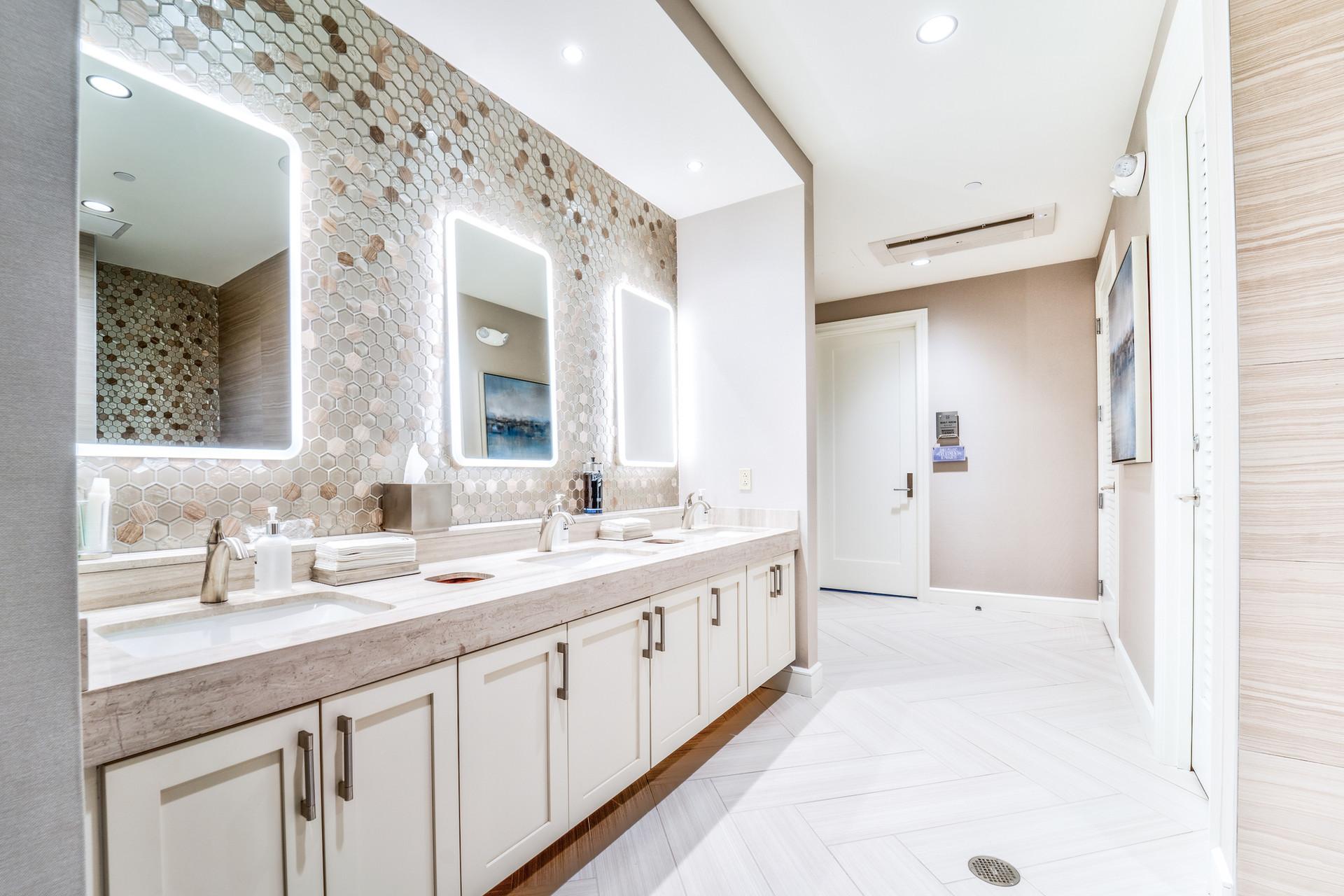 Men's restroom 2.jpg