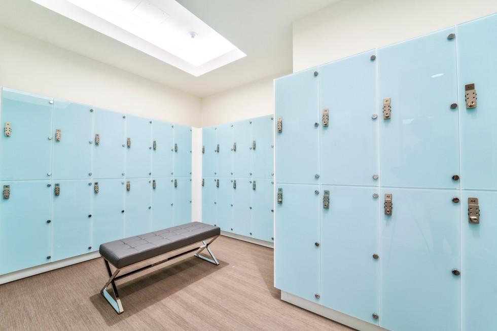 Ladies lockers.jpg