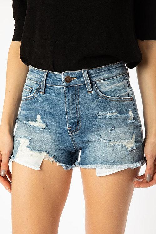 The Outer Banks Shorts - Medium Wash