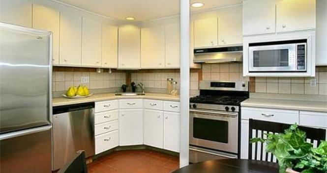 Kitchen 2 - Before