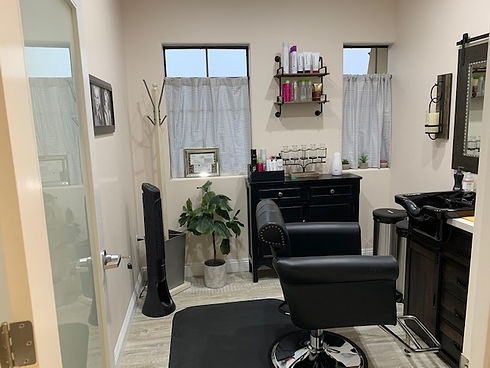 Private suite rental for stylists in Palmdale CA