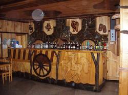 Барная стойка в деревенском стиле