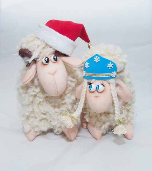 Новогодние Барашек и овечка.