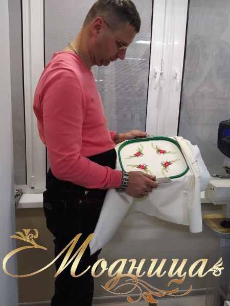 Вышивка на салфетке