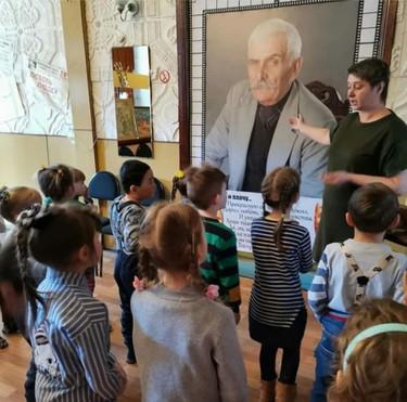 Экскурсии для детей по театру