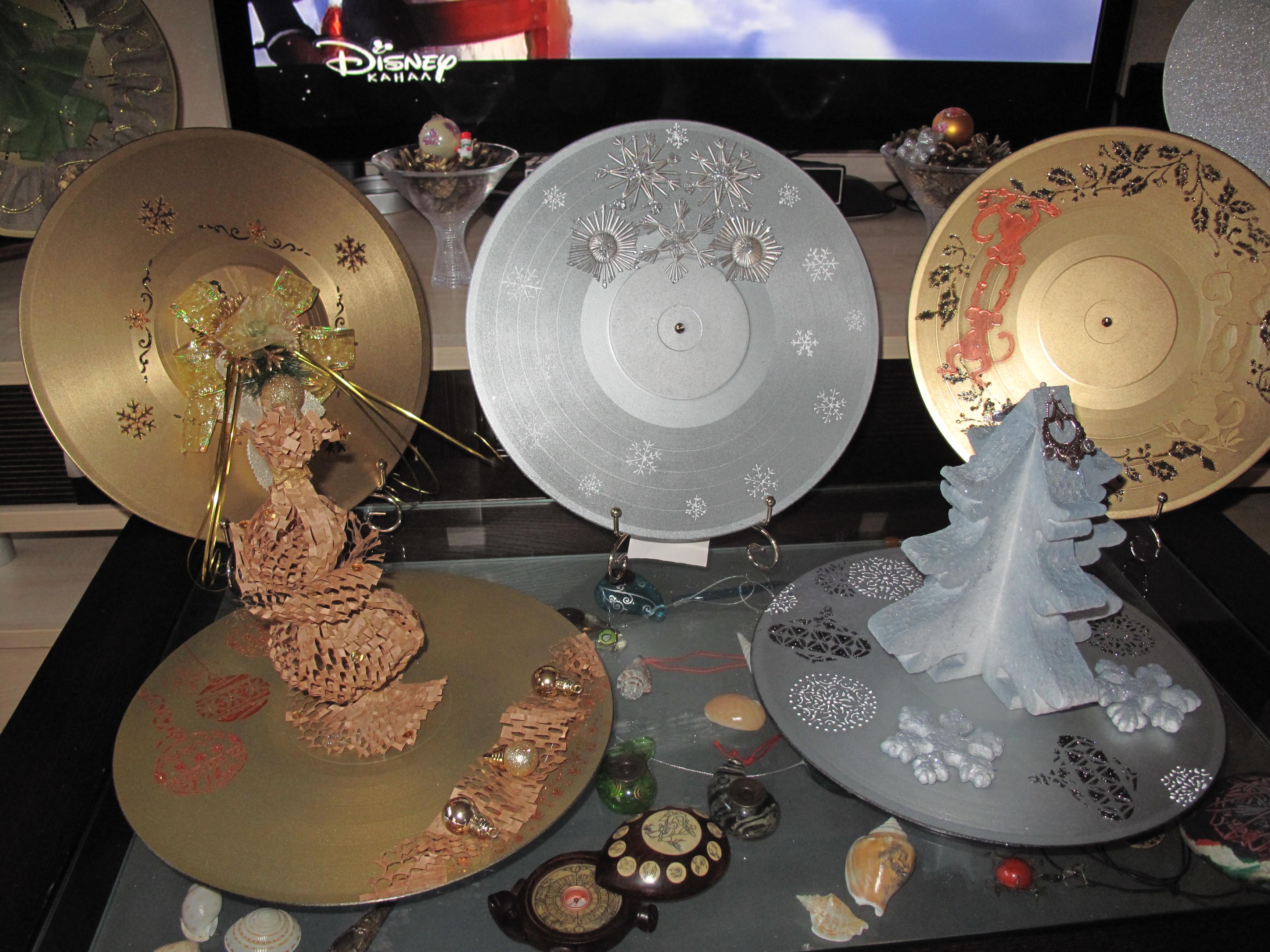 Новогодний декор на пластинках