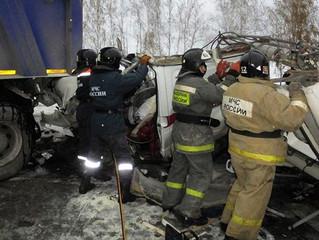 Десять человек погибли в ДТП с автобусом под Ханты-Мансийском