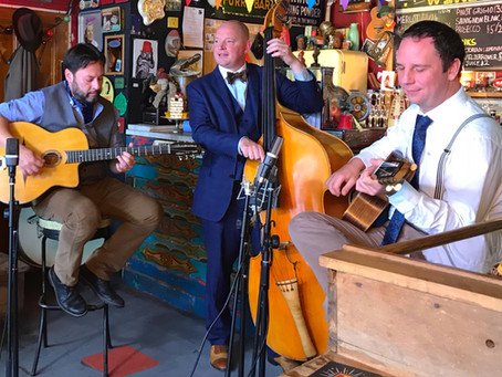 Hire A Vintage Jazz Trio In Sussex | Jonny Hepbir Gypsy Jazz Trio