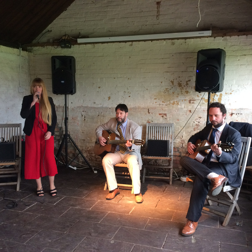 Jonny Hepbir Gypsy Jazz Trio At Isis Farmhouse Iffley Lock Near Oxford For 40th Birthday Celebration