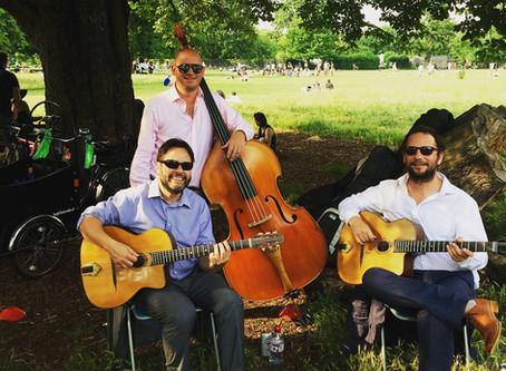Jonny Hepbir Gypsy Jazz Trio Play A Celebration Party In Clissold Park London