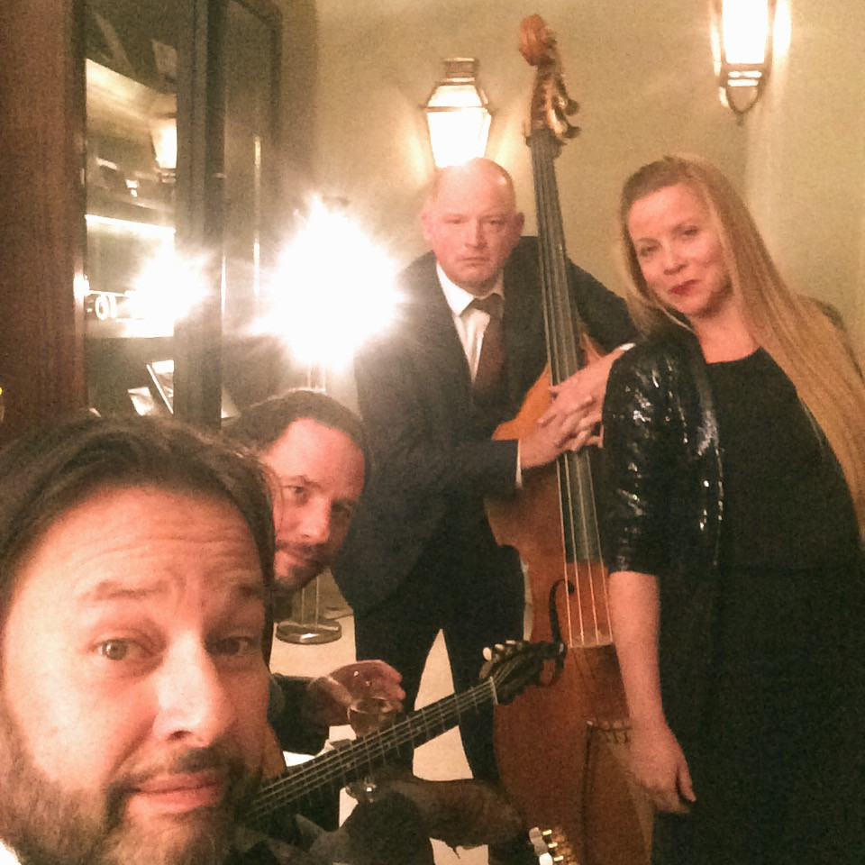 Jonny Hepbir Gypsy Jazz Quartet Play For A Party At The Royal Automobile Club In Pall Mall London