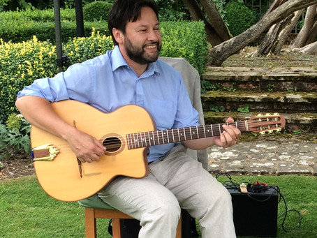 Solo Guitarist Available To Hire For Background Music At Weddings & Events | Jonny Hepbir Gypsy Jazz