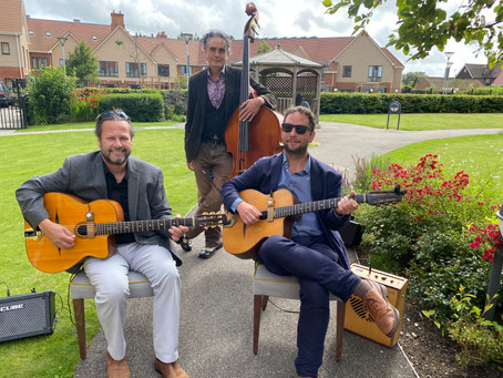 Jonny Hepbir Gypsy Jazz Trio Play At A Birthday Party In West Sussex | Hire The Band For Any Event