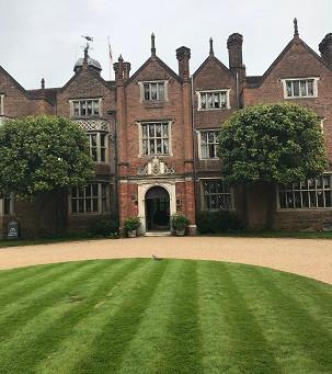 Jonny Hepbir Quartet Swing Jazz For A Summer Wedding At Great Fosters Hotel In Egham Surrey
