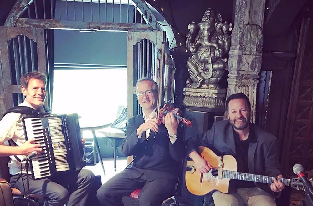 Jonny Hepbir Gypsy Jazz Trio At Trading Boundaries In Sheffield Green Near Uckfield East Sussex