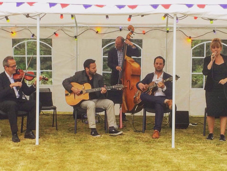 Sussex Jazz Band Hire | Jonny Hepbir Gypsy Jazz Quintet At Henfield Festival & Trading Boundaries
