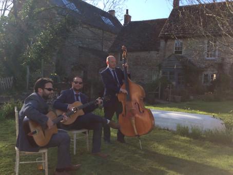 Jonny Hepbir Gypsy Jazz Trio Play A Fabulous Rural Wedding At Stowford Manor Farm In Wiltshire