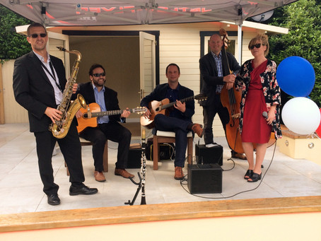 Kent Jazz Band Hire | Jonny Hepbir Gypsy Jazz Quintet At A Birthday Party In Orpington
