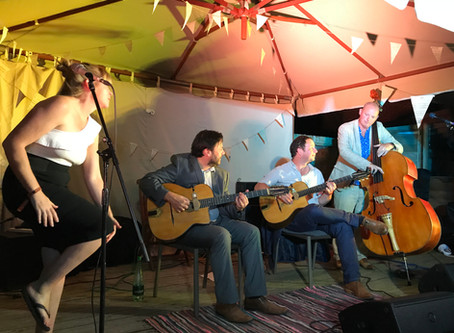 Jonny Hepbir Gypsy Jazz Quartet At Festival Style Wedding In Biddenden Kent
