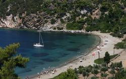 Iconic-Travel---Pefkos-Bay,-Skyros-Islan