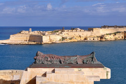 view fort Rinella and war memorial,Valet