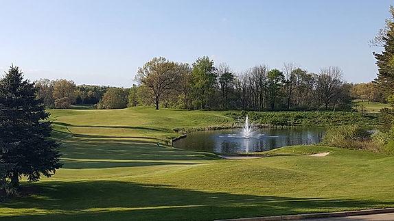 View of fountain & 18 green near wedding venue
