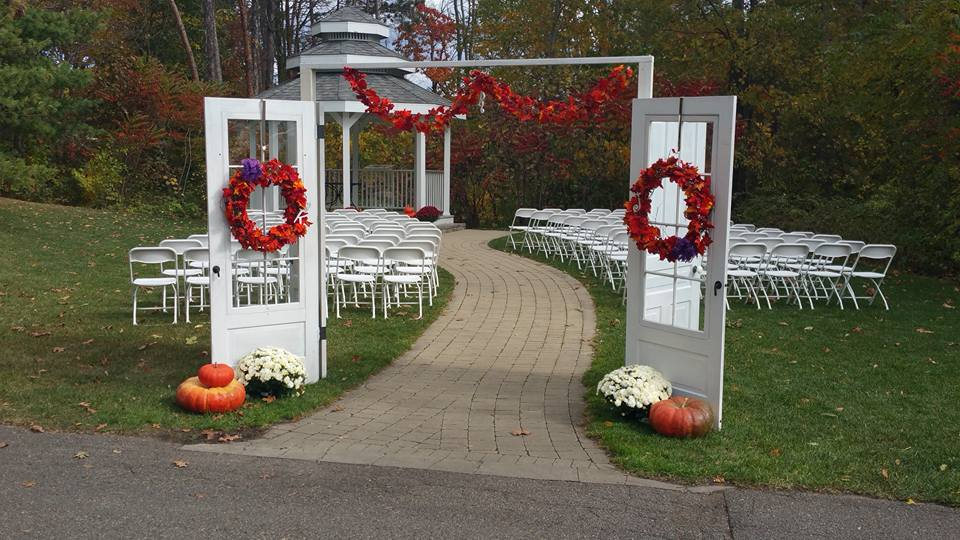 Gazebo ceremony decorations