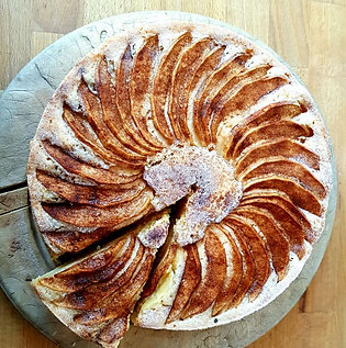 Norwegian Apple & Cinnamon Cake