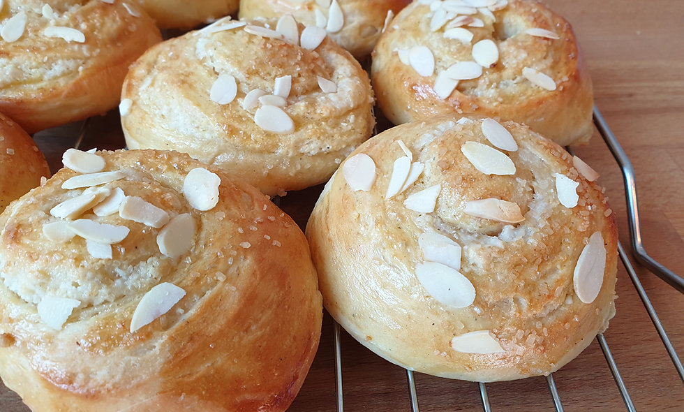 Almond Buns (Box of 10)