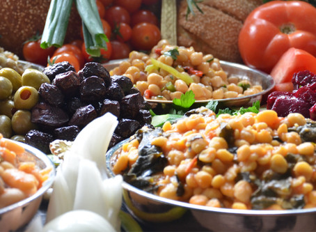 Ταξίδι στην παράδοση με φρέσκα όσπρια και μυρωδάτο ψωμί από τα αρτοζαχαροπλαστεία Πανδώρα.