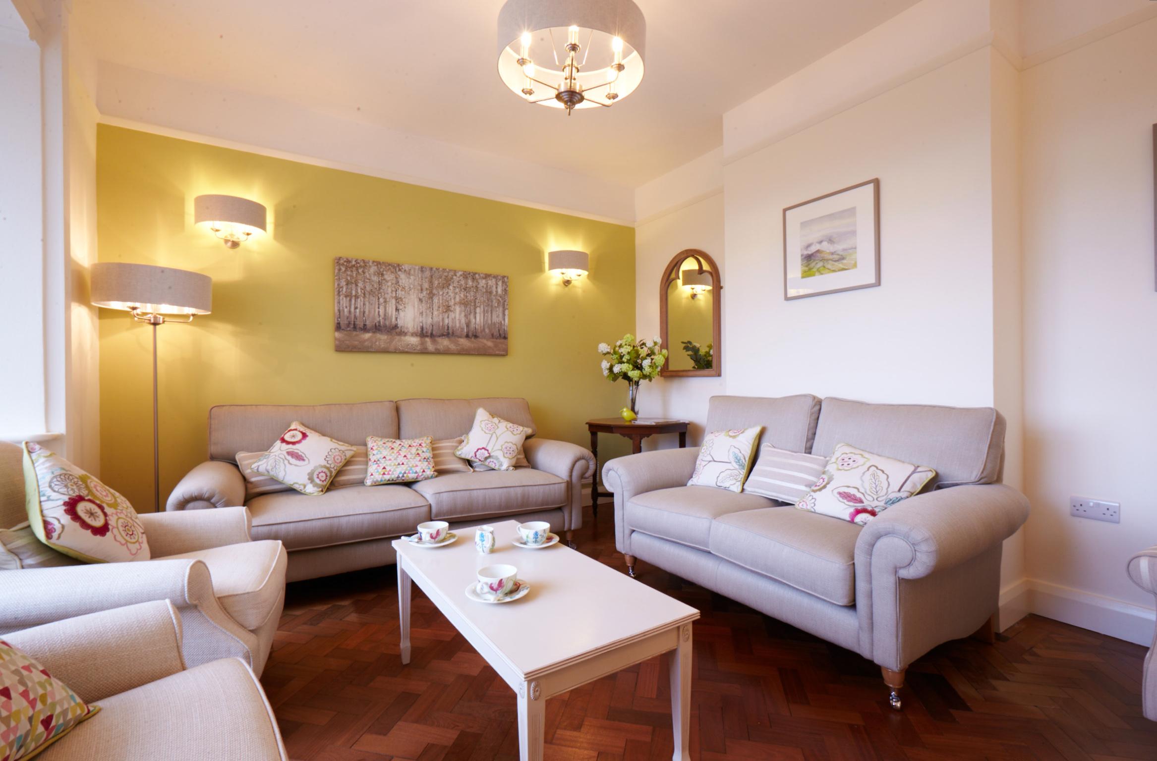 Ashdene Lounge
