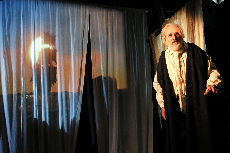 Julian Harries in THE MARINER (2)