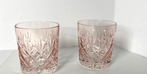 Set of 2 crystal whiskey glasses pink hue