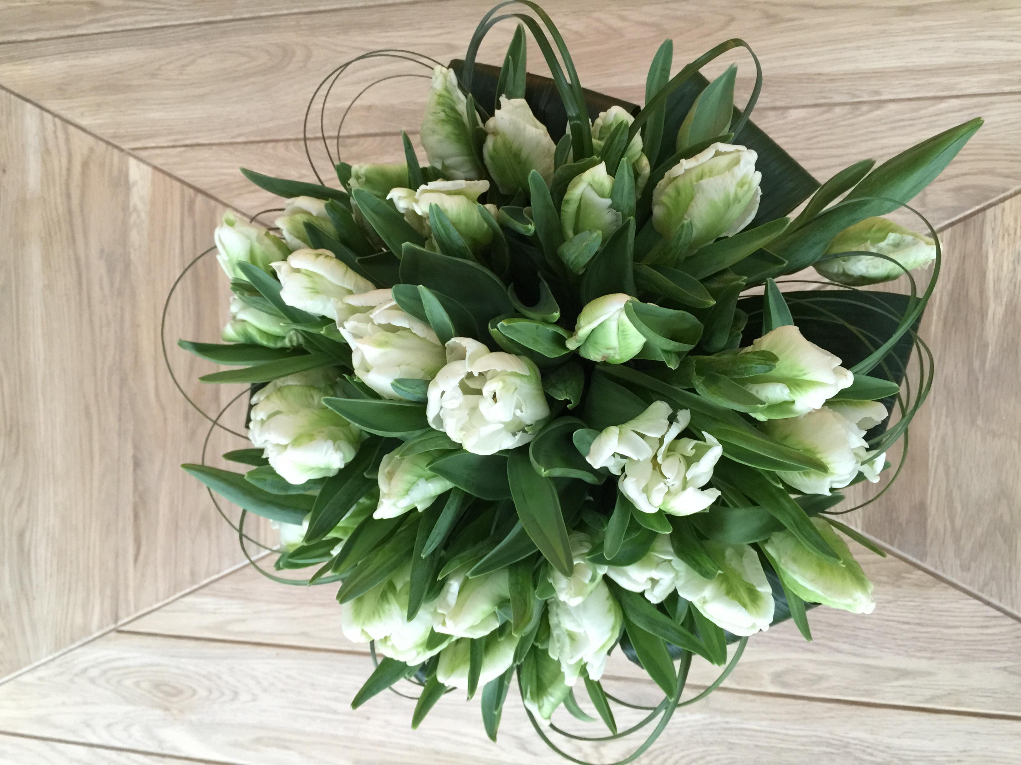 Parrot tulip table centre piece